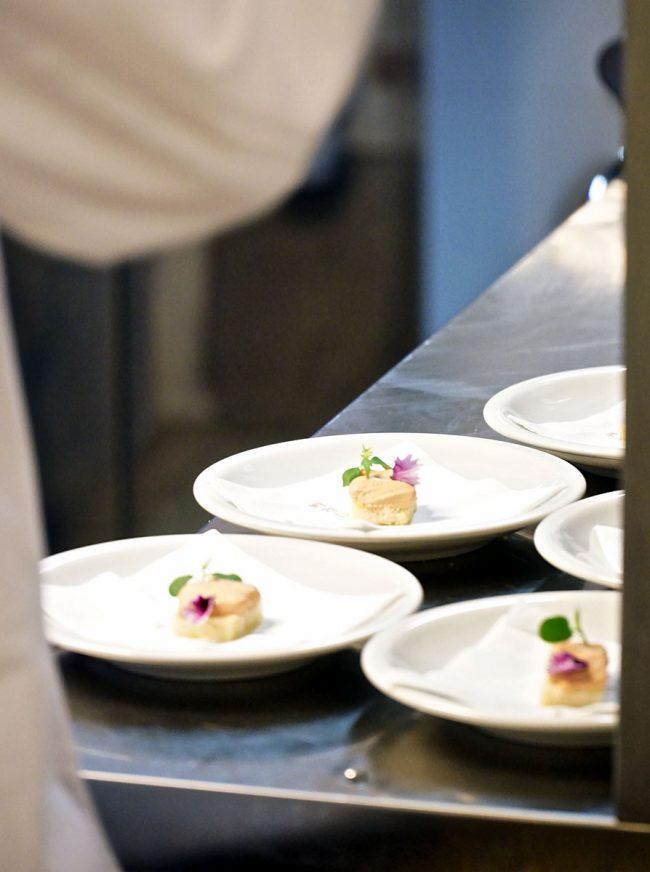 Cucina Ercoli con preparazione dei piatti