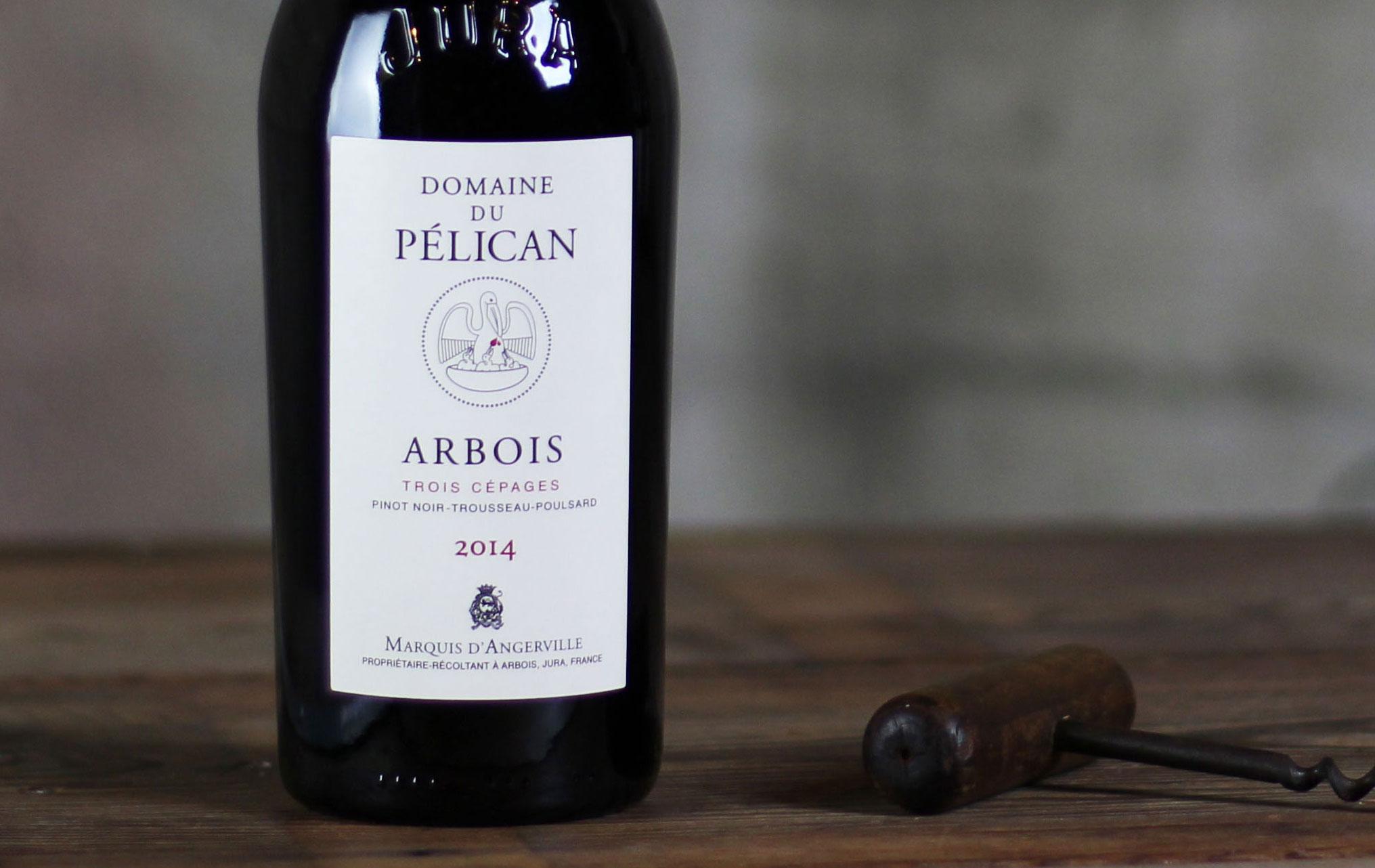 Bottiglia di Pelican, vino del Jura