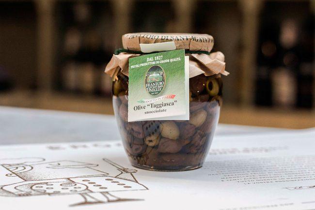 vasetto di olive taggiasche snocciolate
