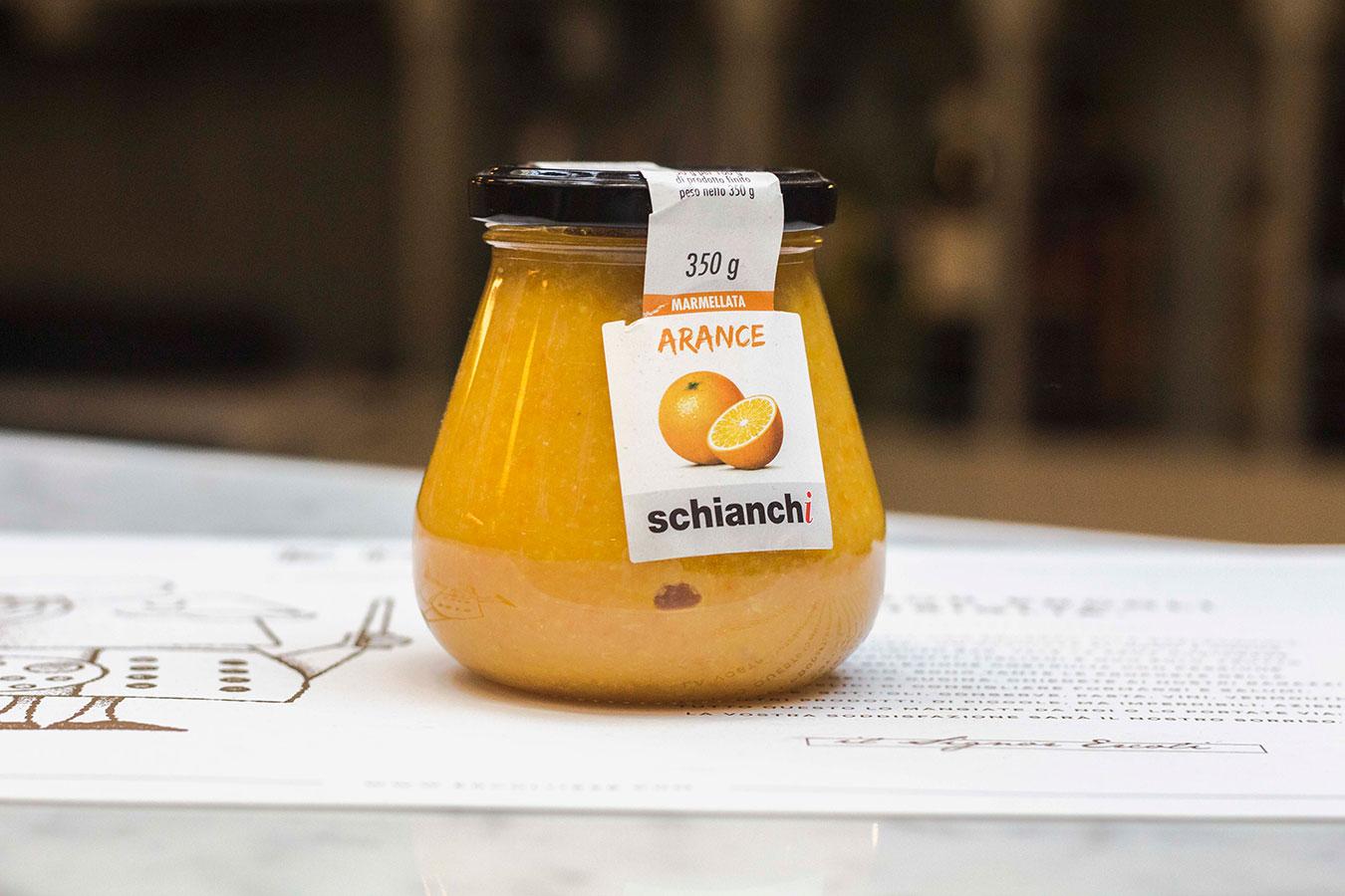 vasetto di marmellata all'arancia