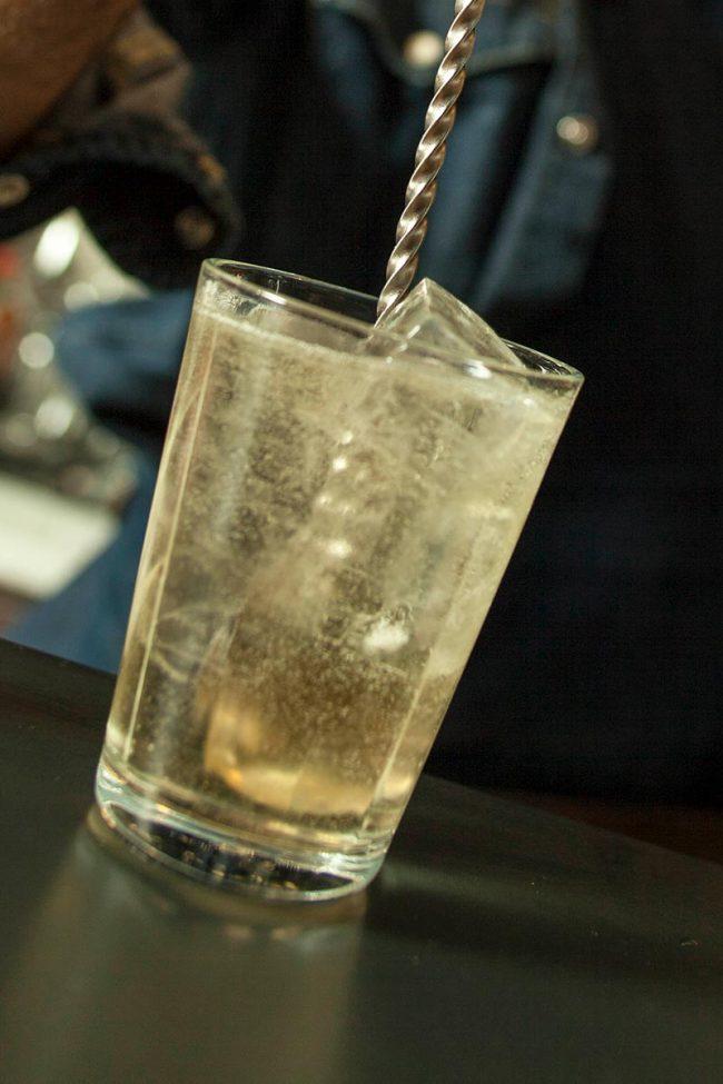 preparazione cocktail
