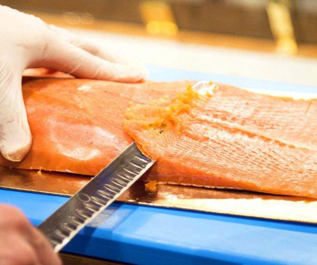 sfilettatura del salmone reale selvaggio red king